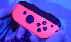Size comparison: how big is the Nintendo Switch Joy-Con controller?